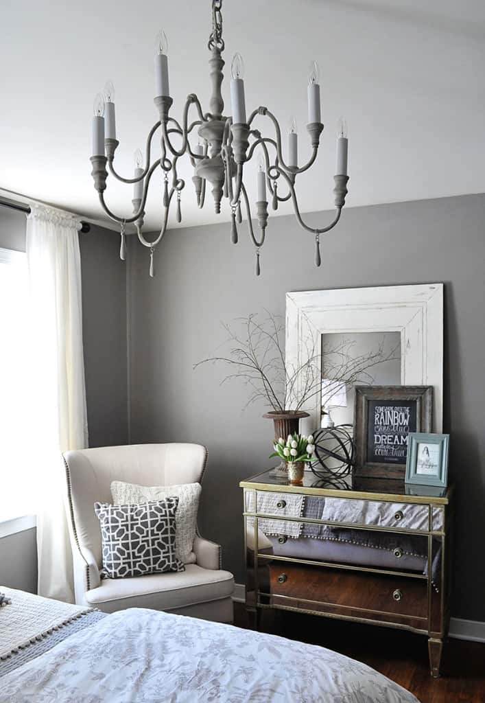 marvelous-mirrored-furniture