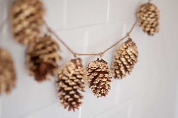natural-holiday-decor-that-doesnt-scream-christmas