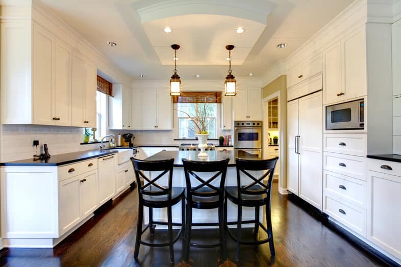 choosing a cabinet door style for kitchens and baths